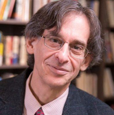 Alfie Kohn este un autor care iti va schimba mentalitatea de parinte.